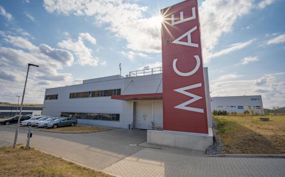 Nová hala a stavební úpravy v areálu MCAE